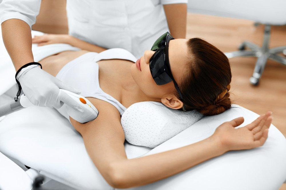 Выбираем лучший метод удаления волос: шугаринг, электроэпиляция или фотоэпиляция