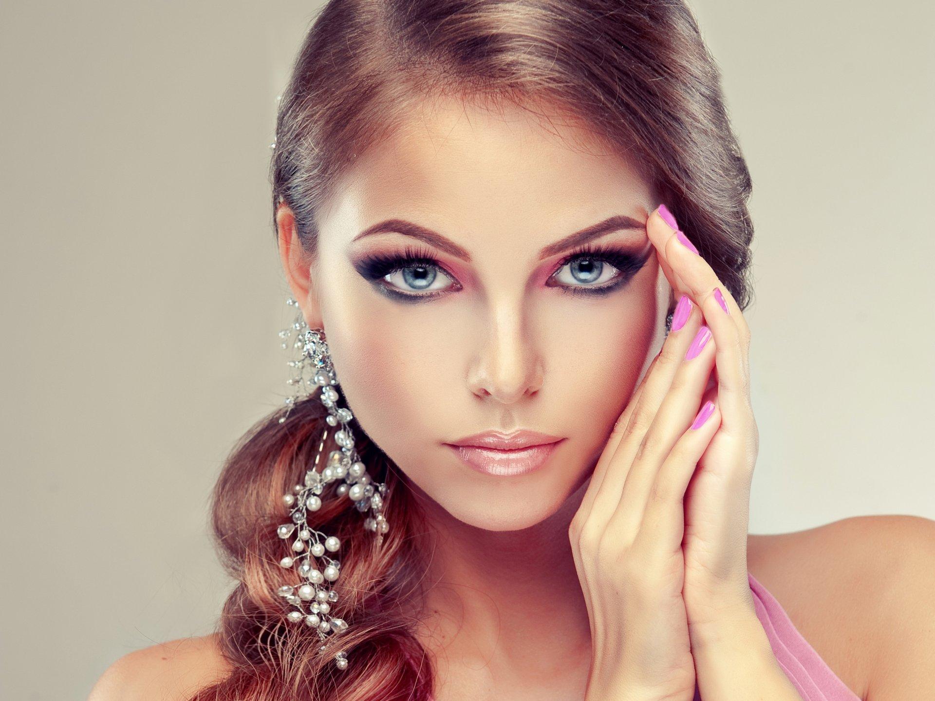 Топ-10 трендов макияжа на новый год 2021: фото-идеи и новинки