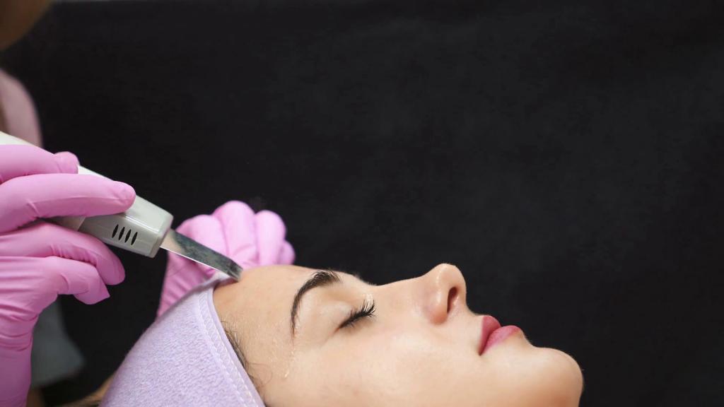 Ультразвуковая чистка лица: отзывы, плюсы и минусы процедуры