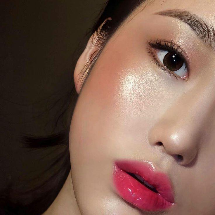 Новый бьюти-тренд из кореи: прямые брови