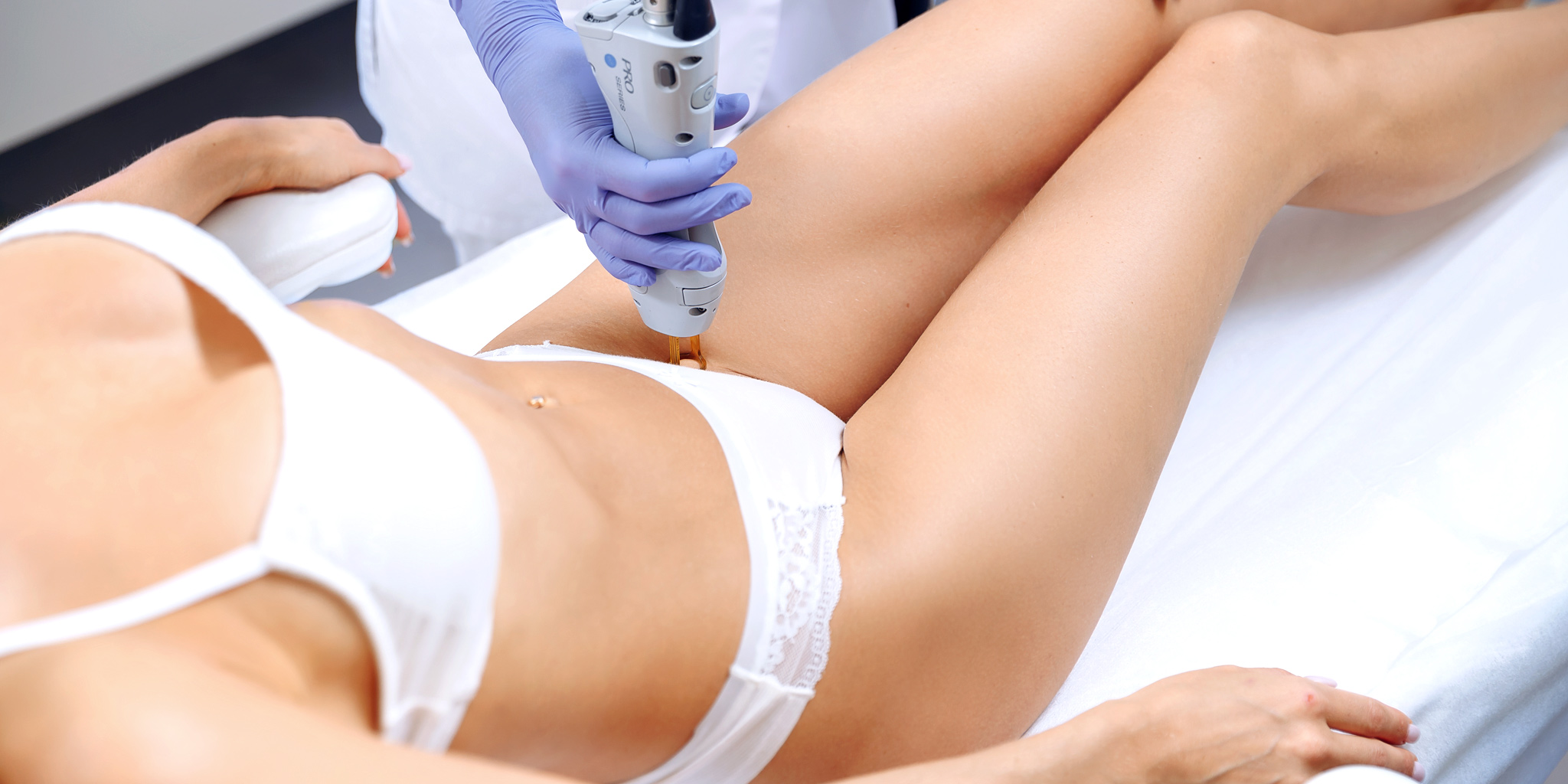 Фотоэпиляция бикини: плюсы и минусы, противопоказания, побочные эффекты, особенности проведения процедуры