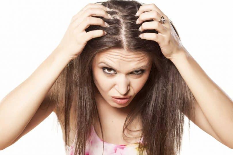 Выпала прядь волос