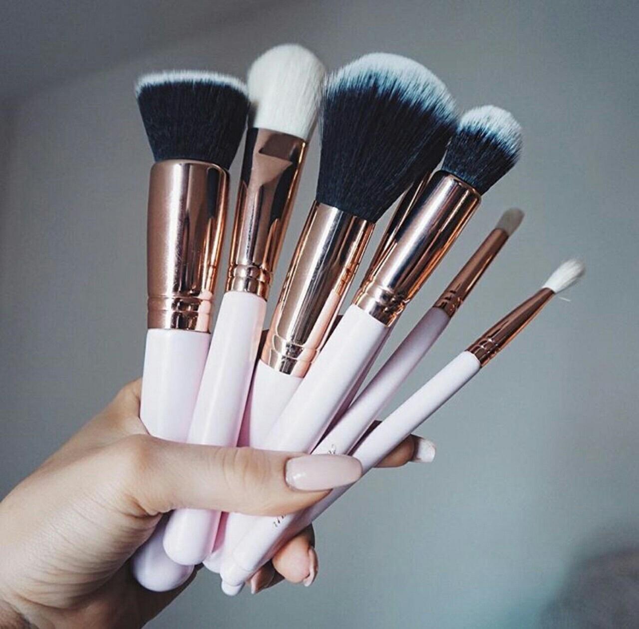 Из какого ворса лучше выбрать кисти для макияжа