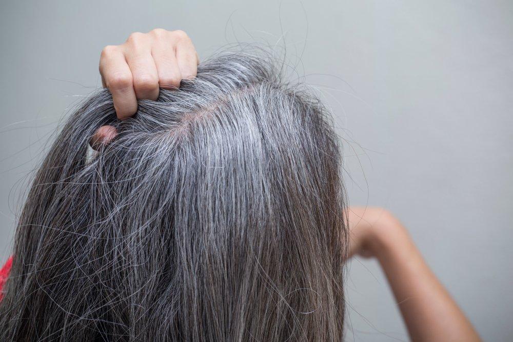 Почему седеют волосы: причины и способы предотвращения седины