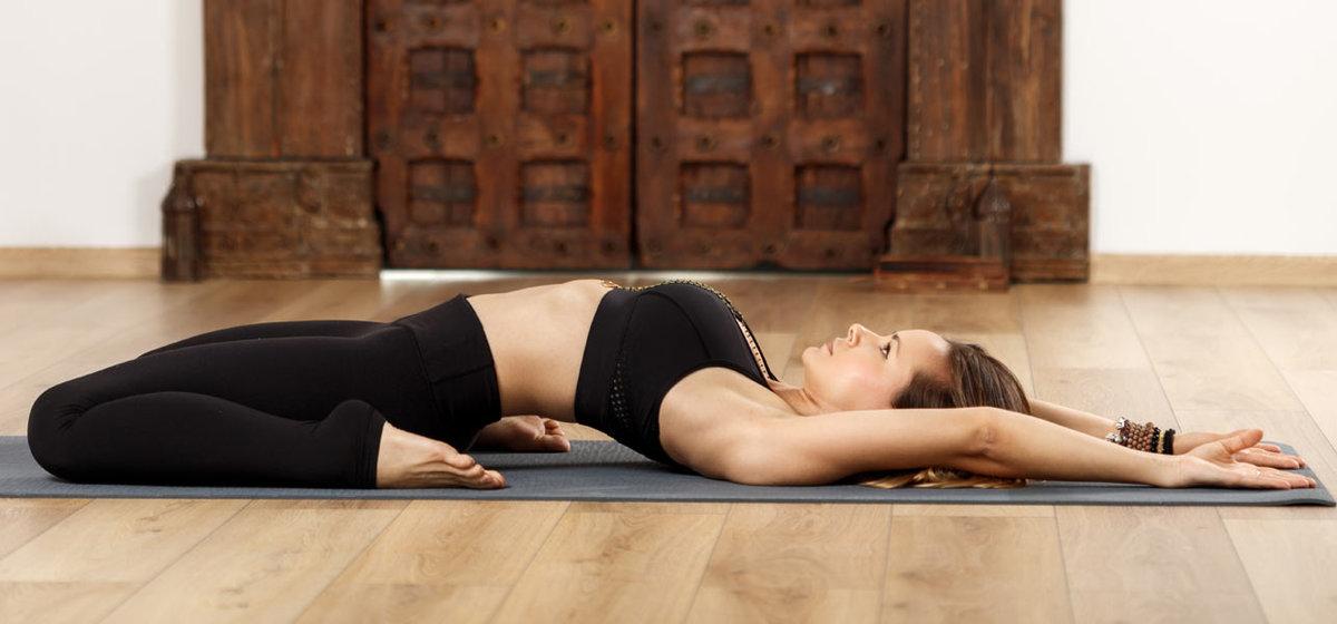 Йога для омоложения лица: эффективные комплексы упражнений и видео уроки для начинающих