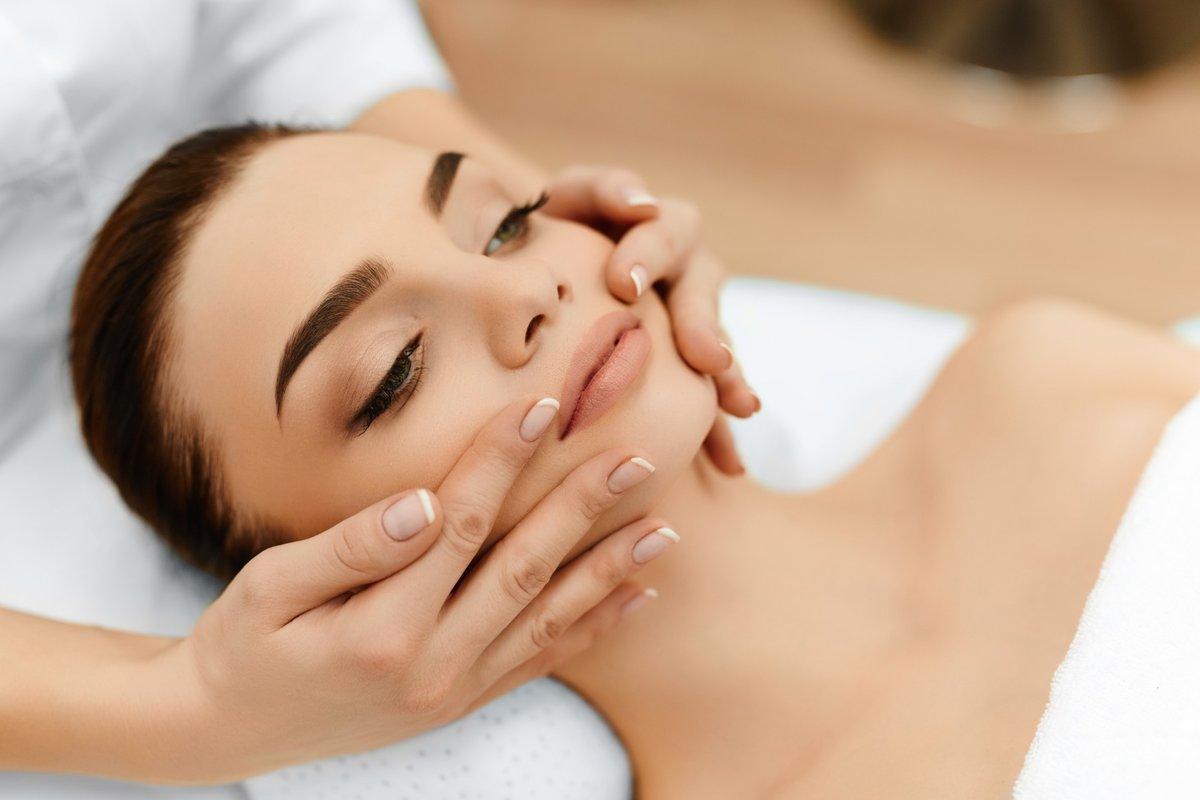 Держим лицо: специальные упражнения для лицевых мышц