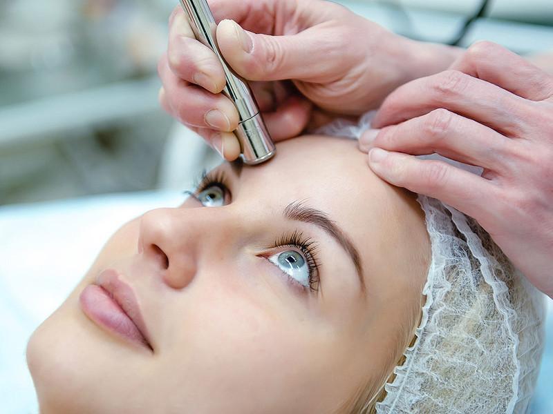 Микродермабразия (шлифовка кожи): процедура, результат, показания и противопоказания к микродермабразии, алмазная микродермабразия