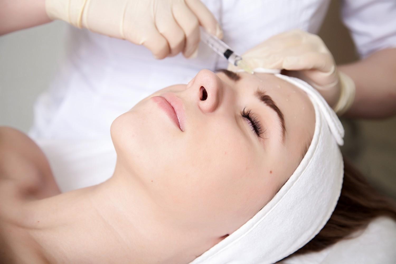 Мезотерапия лица: что это за процедура?