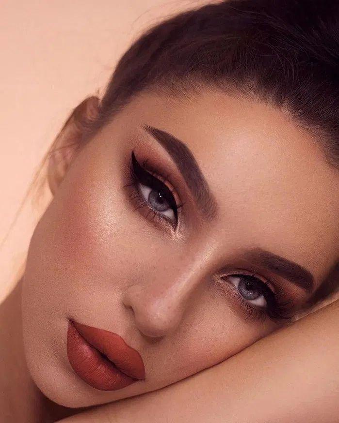 Топ-7 трендов модного выпускного макияжа 2020-2021: трендовый макияж на выпускной, фото