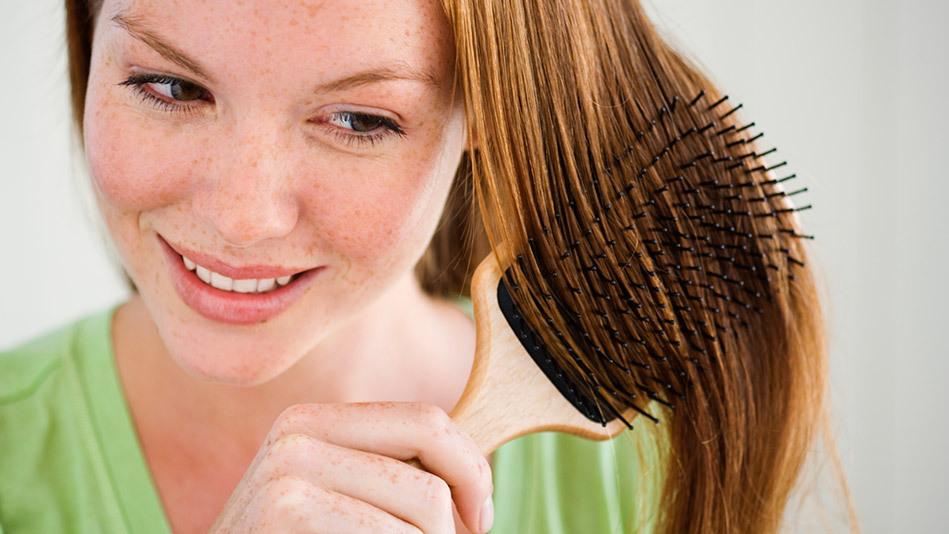 10 способов лечения сильного выпадения волос у женщин