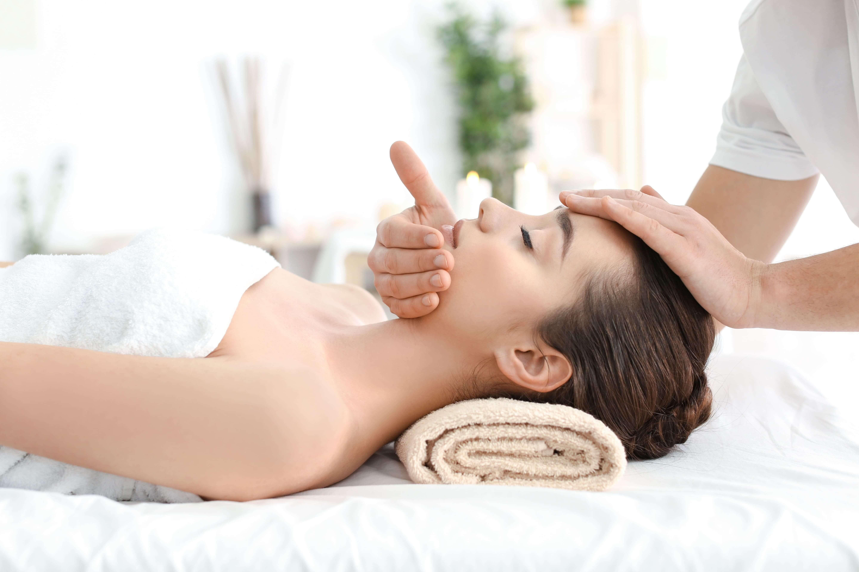 Буккальный массаж лица — эффективный и эпатажный метод омоложения