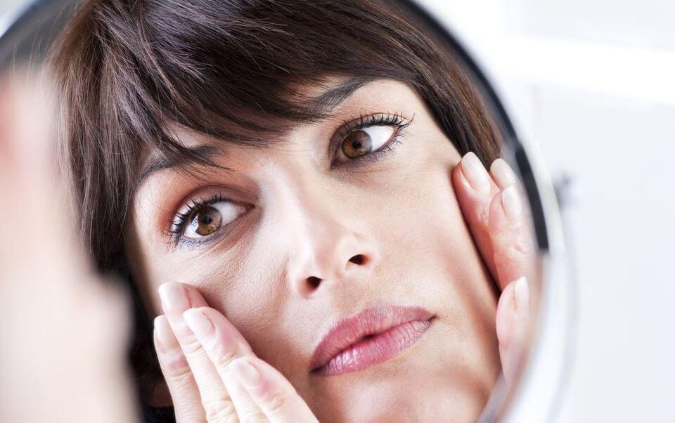 Почему опухает лицо по утрам — основные причины отеков