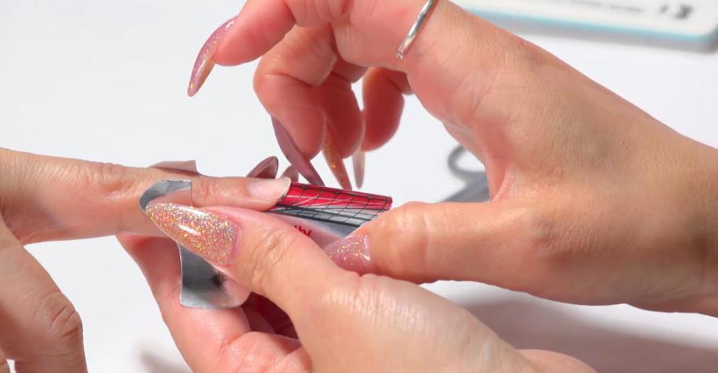Как нарастить ногти в домашних условиях