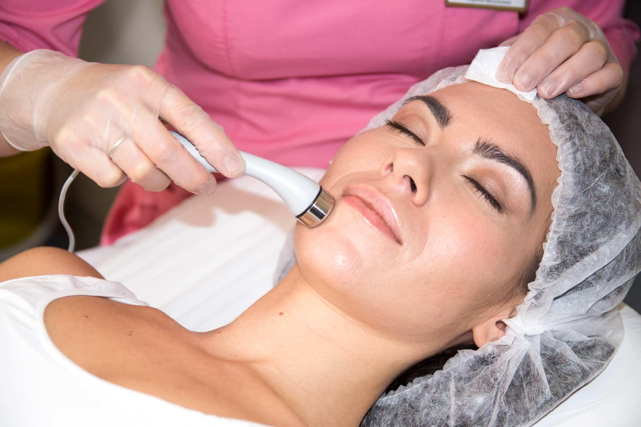 Что такое мезотерапия для волос и как она проводится?