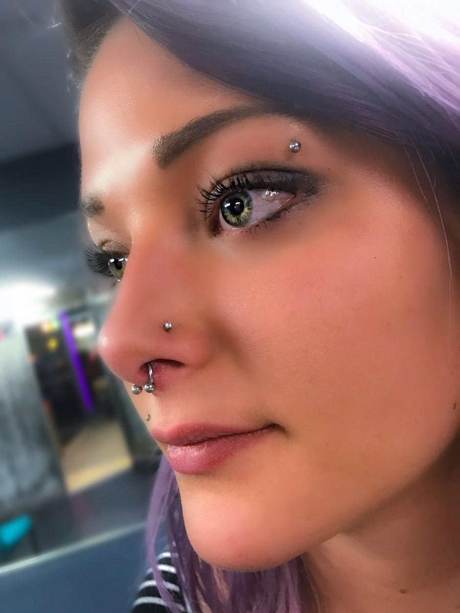 Пирсинг носа: стоит ли делать, плюсы и минусы