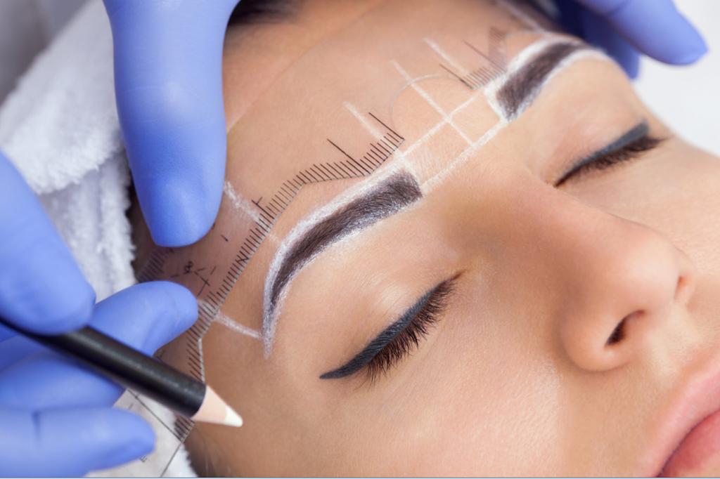 Этапы заживления бровей после нанесения перманентного макияжа