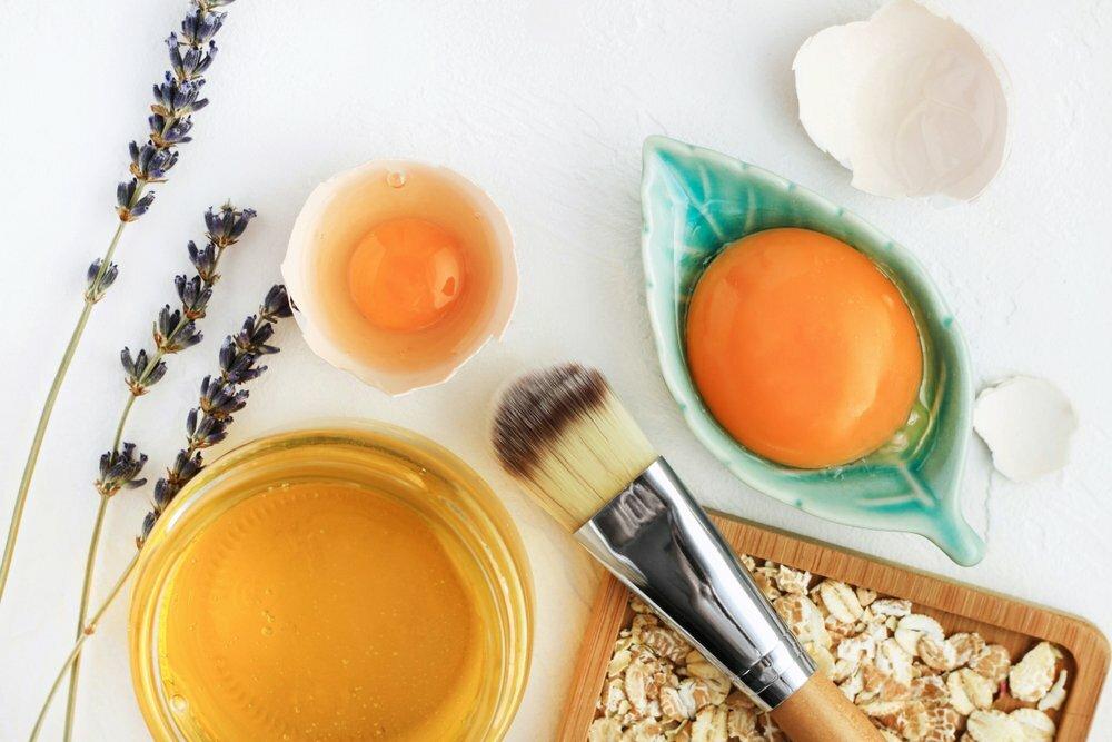 Какое масло для роста ресниц выбрать: отзывы косметологов