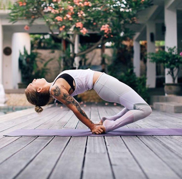 Йога для начинающих – первые упражнения и базовые позы. 80 обучающих фото