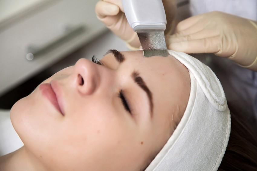 Комбинированная чистка лица: преимущества процедуры