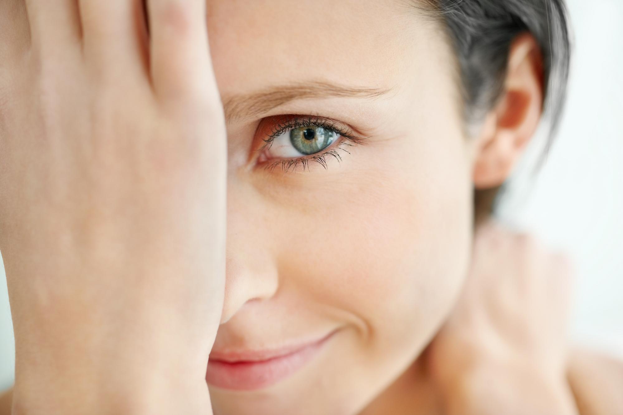 Как быстро в домашних условиях убрать глубокие морщины около глаз