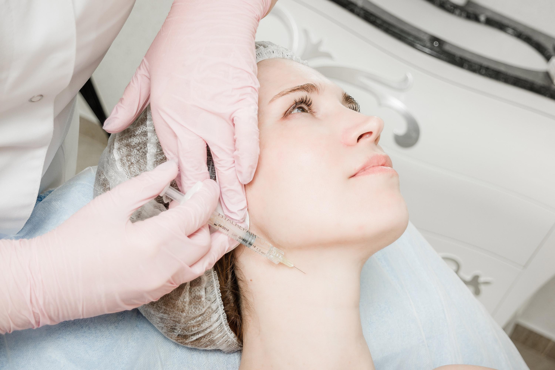 'уколы красоты'. мезотерапия в косметологии. что такое мезотерапия