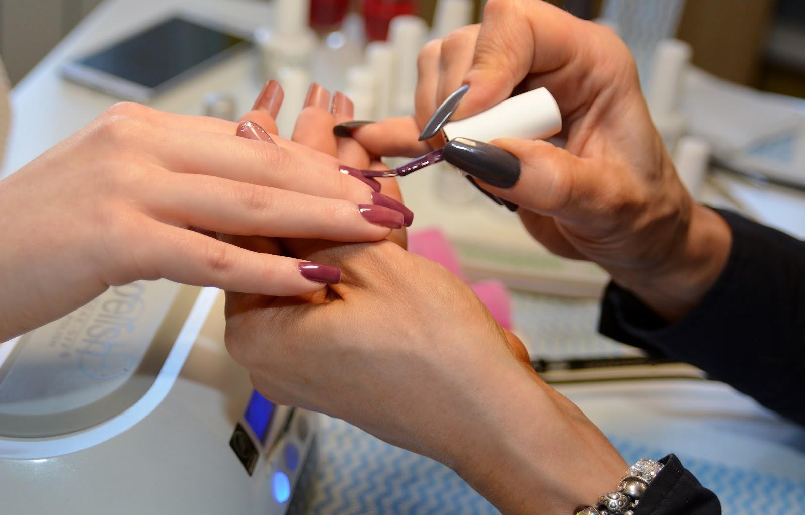 Тонкости наращивания ногтей с помощью геля