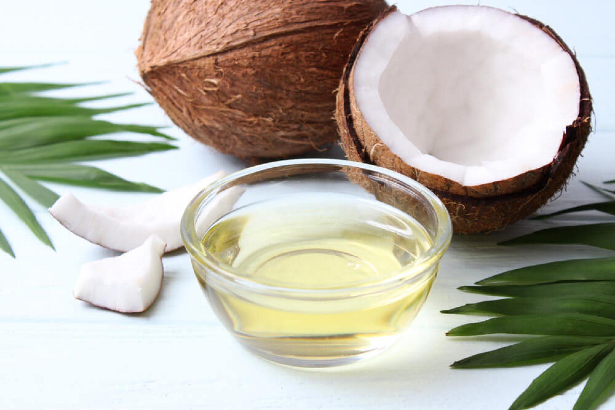 Кокосовое масло в косметологии: польза и способы применения