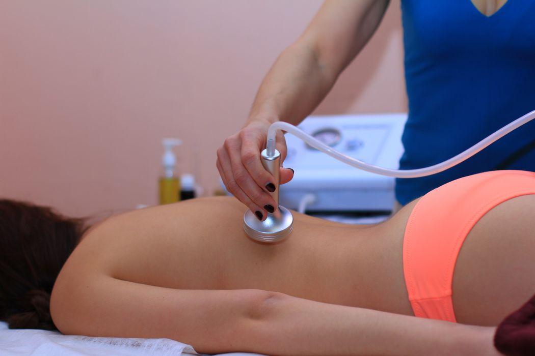 Вакуумный массаж виды процедуры и их пользаКомментарии