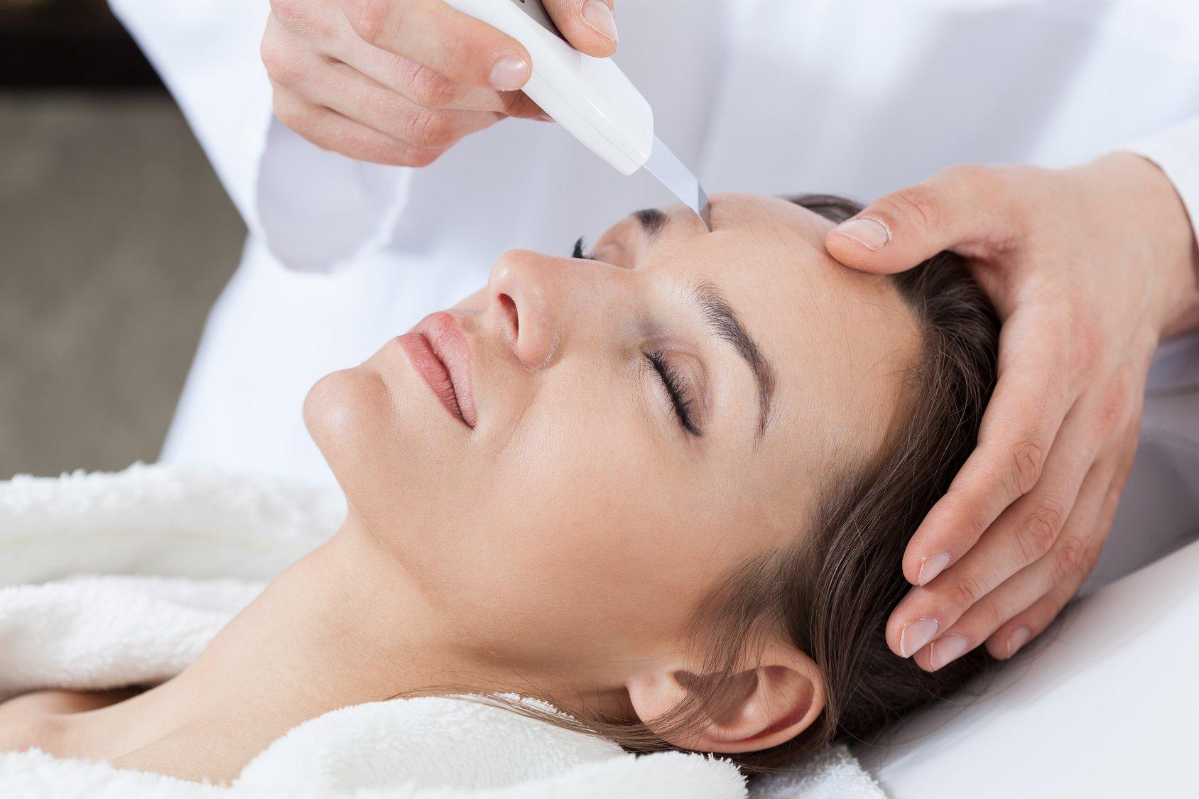 Ультразвуковая чистка лица: плюсы и минусы