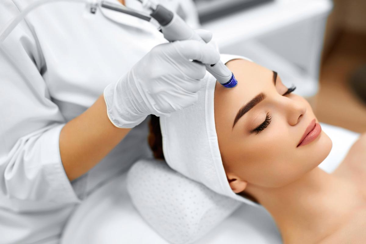 Алмазная дермабразия: восстановление и омоложение кожи