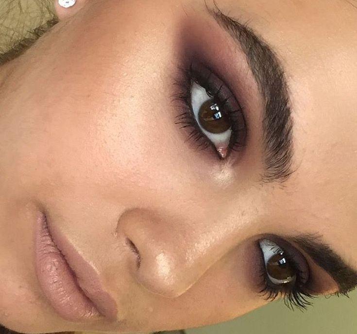 Правильный макияж для карих глаз и темных волос