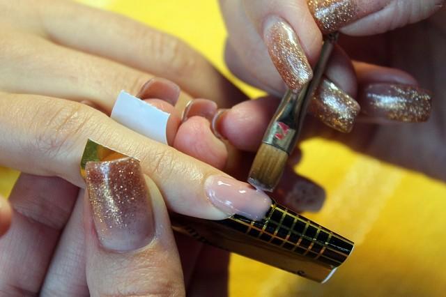 Как нарастить ногти в домашних условиях самостоятельно, самой себе, без геля